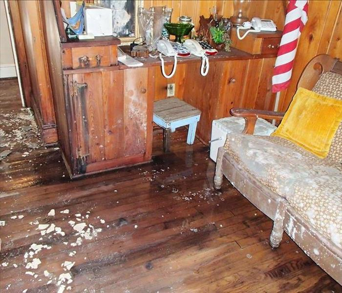 Water & Extensive Mold Damage in Suffolk, VA Before